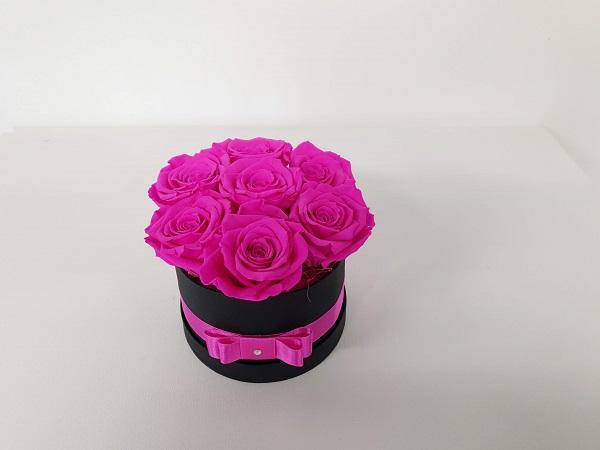 Stabiliseeritud roosid kinkekarbis